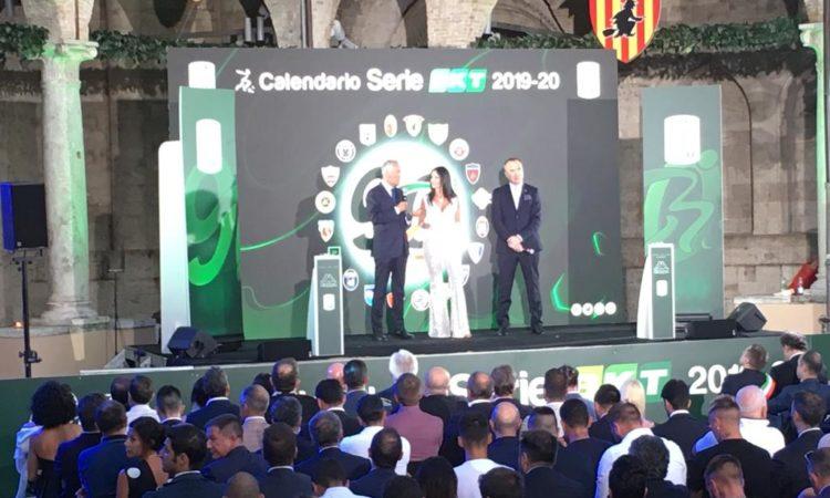 Calendario Pordenone Calcio.Serie B Nuovo Calendario All Esordio Il Frosinone Sfida La